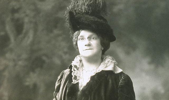 Annie Battelle
